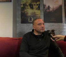 المخرج باسل الخطيب: الحرب نهضت بالسينما وهناك منتجون فرضوا أعمالاً غير لائقة (فيديو)
