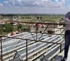 طالب هندسة يؤسس مزرعة من دون تراب على سطح منزله تؤمّن 35 طناً من الخضار