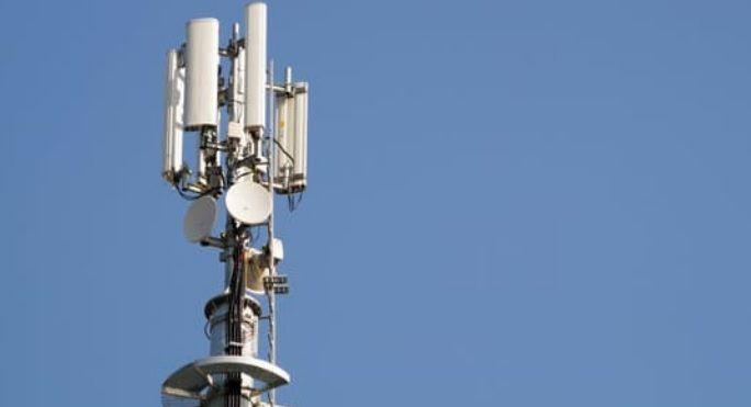 الإدارة الأمريكية تضغط على الإمارات لوقف استخدام معدات هواوي في شبكة الاتصالات الخاصة بها